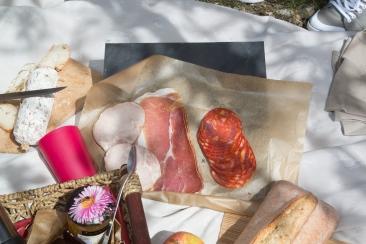 Casse-croûte vigneron et produits du terroir par Vin4 heures tour