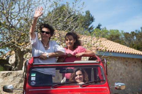 Découvrez nos produits du terroir en 2CV avec Di-Vin&gusto Photo Serge Briez Cap Médiations pour Vin4 heures tour
