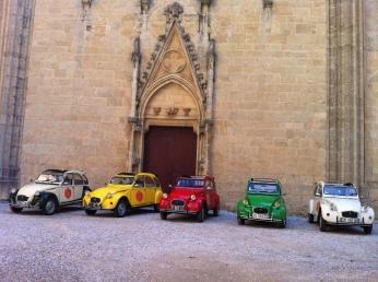 Vin4 heures tour et se 2CV - Cathédrale St Just Narbonne Photo Vin4 heures tour