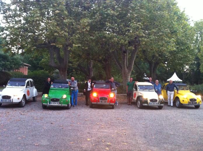 Les 2CV Vin4 heures tour au château de Lignan sur Orb Photo Vin4 heures tour